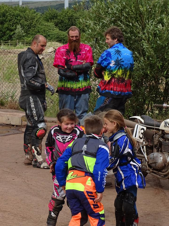 Junior One pit action